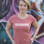 deiremonne-vrouw-roze-t-shirt